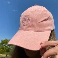 Billie kasket i rosa pastel i blaa himmel
